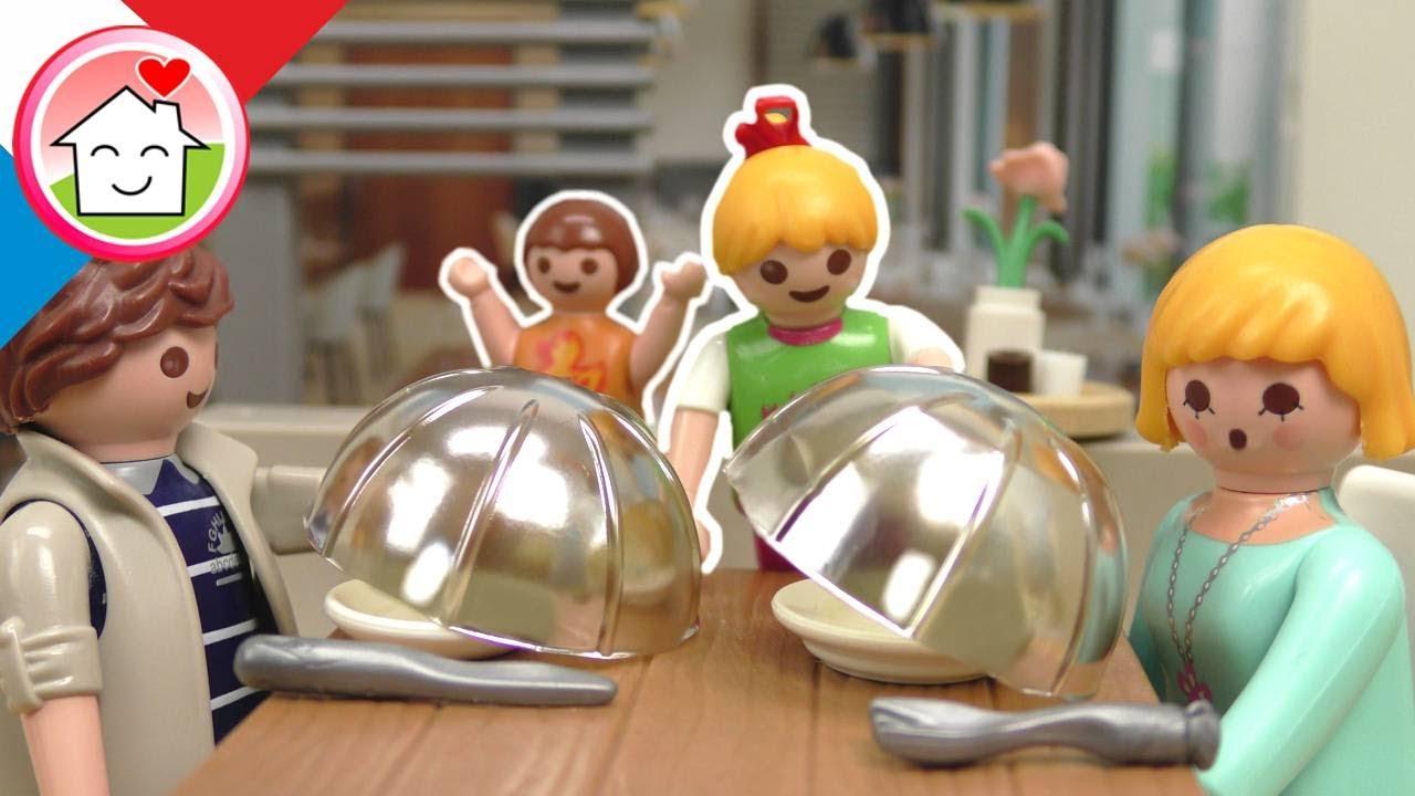 Playmobil en francais La famille Hauser au restaurant - Famille Hauser