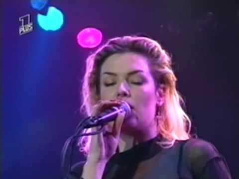 Kim Wilde Love Is Holy (Live)
