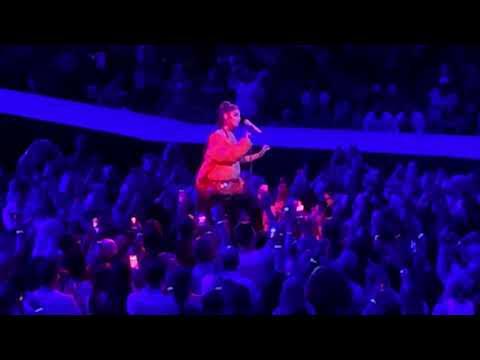 Download lagu baru Ariana Grande Tattooed Heart Live 2019 in Charlotte (Sweetener Tour) online