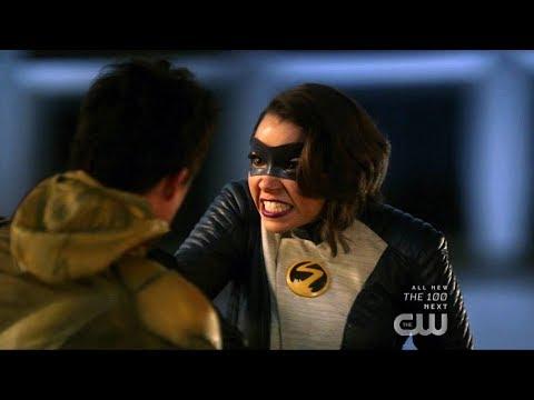The Flash 5x22 Reverse Flash vs Team Flash fight Scene
