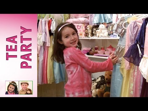 Fuzzles' Tea Party Part 1: Rosie's Boutique