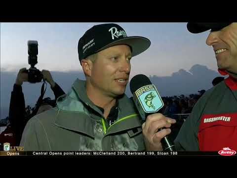 Bassmaster Live: 2017 Classic- Day 2, Part 1