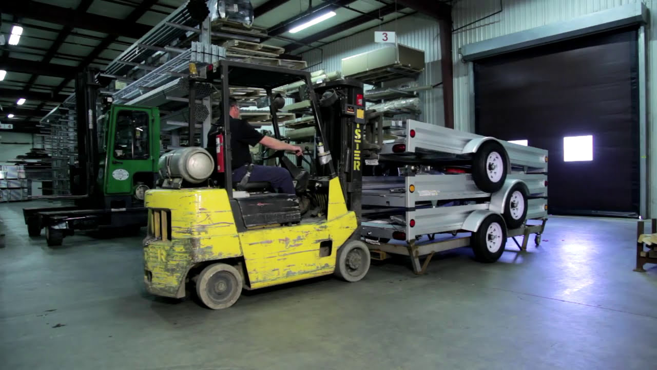 Unloading And Store Assembly Of Stirling Trailers Youtube