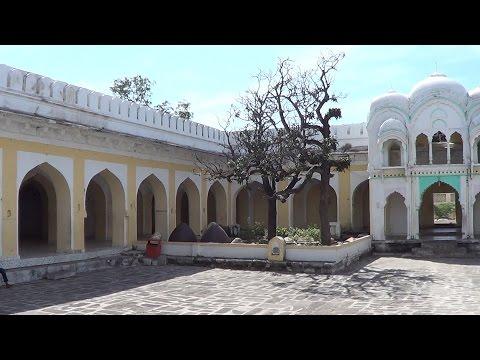 Aurangzeb Tomb