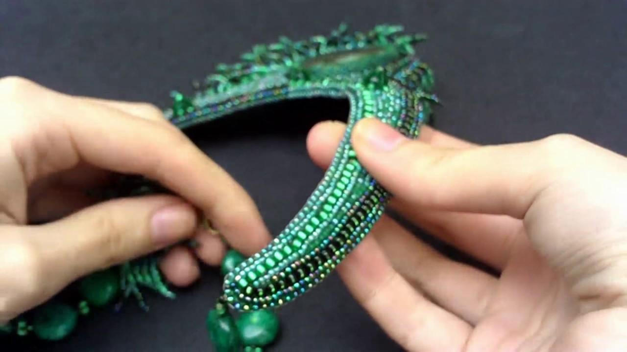 Колье из бисера камней фуксит Малахитовое зеленый стильные украшения NataliaLuzik