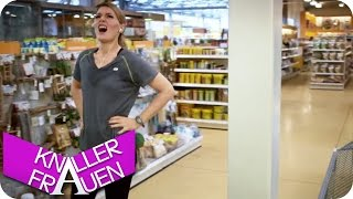 Workout in der Tierhandlung - Knallerfrauen mit Martina Hill | Die 3. Staffel