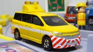 2016年1月に発売された、トミカ 日産 エルグランド 道路パトロールカー...