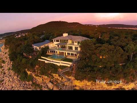 Acqua Villa - Contemporary Luxury Villa For Sale in Austin, Texas