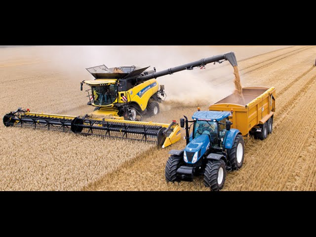 New Holland CR10.90 combine Guinness World Records attempt #1