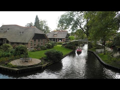Giethoorn 2014, the Dutch Venice, village without roads.