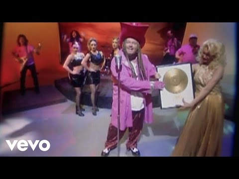 Cledus T. Judd – Shania I'm Broke #CountryMusic #CountryVideos #CountryLyrics https://www.countrymusicvideosonline.com/cledus-t-judd-shania-im-broke/ | country music videos and song lyrics  https://www.countrymusicvideosonline.com
