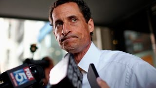 Anthony Weiner Can't Stop Texting People His Dick