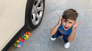 Arabayla ördekleri, polis arabalarını, oyuncak meyveleri, pastaları ezdik😬 Oyuncaklar patladı 😂