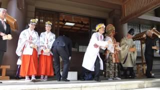 2014.02.03 さかなクンが館山市の安房神社の節分祭で 豆まきをしました。