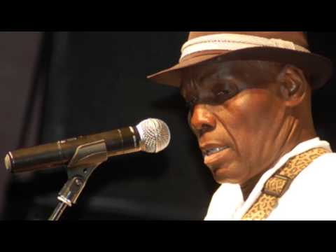 Oliver Mtukudzi - Ndakuvara (Translated English Lyrics)