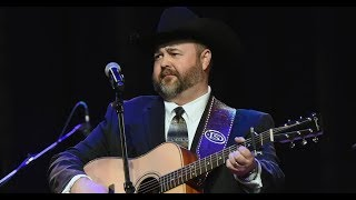 See Daryle Singletary's Haunting Final Performance of 'Old Violin'