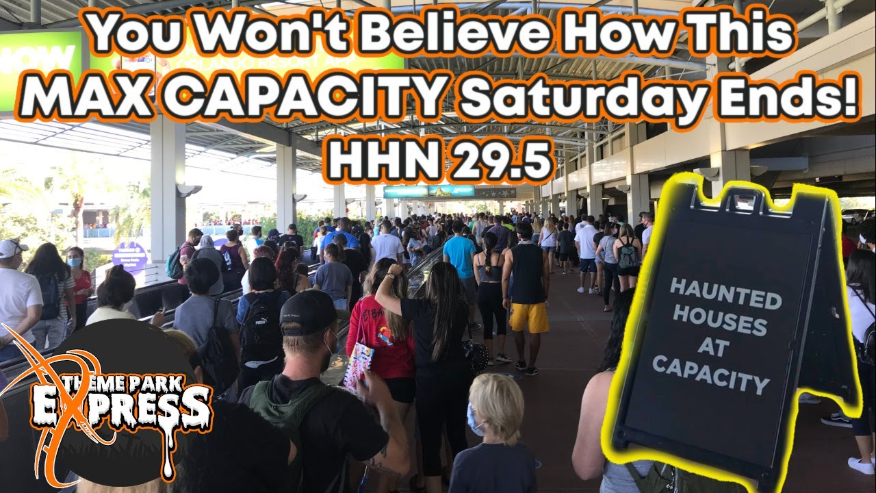 A TOTAL DISASTER TURNED BLESSING! First Day Of HHN Houses During The Day On A Max Capacity Saturday!