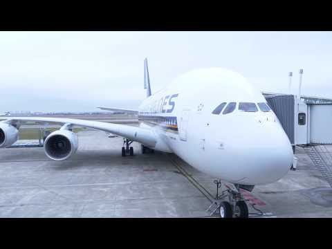 Singapore Airlines takes delivery of Airbus A380 aircraft - Unravel Travel TV