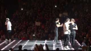 One Direction - One Way Or Another (Teenage Kicks) Ft. Lauderdale June 13th 2013 [HD]