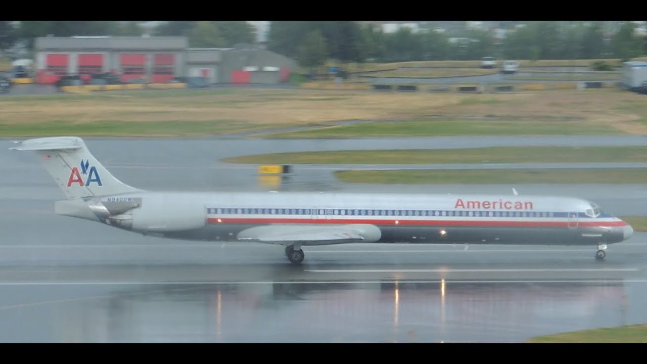 American Airlines Mcdonnell Douglas Md 83 N9402w Takeoff