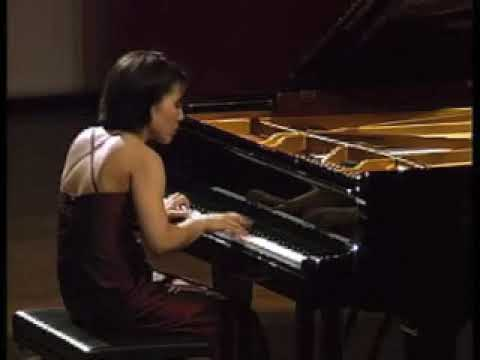 Ching-Yun Hu performs Chopin Etude Op. 10 No. 2