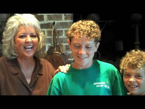 Paula Deen Packs a Kid\'s Lunch-Box