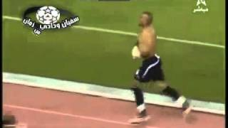Goalkeeper leaves the pitch after conceding a stupid goal