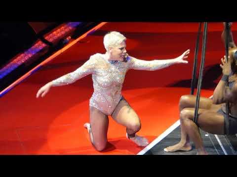 8/18 P!nk - Secrets (Aerial Performance) @ Capital One Arena, Washington, DC 4/17/18