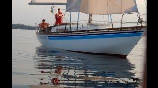 Видео обзор яхты Борт №2 г. Запорожье(Яхта для прогулок и купания парусно-моторная. Вместительность яхты 6 +2 чел. В описании яхт +2 означает плотно..., 2016-07-03T15:59:02.000Z)