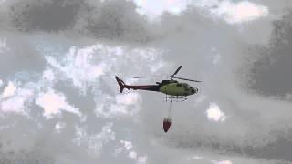 Авиашоу 2014 - Тюмень - пожарный вертолёт - видео 6(К сожалению, тушение водой проморгал, оно было, но снять не удалось., 2014-08-16T15:00:37.000Z)