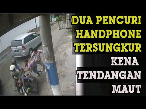 Video: Bak di film action, tendangan maut gagalkan pencuri HP