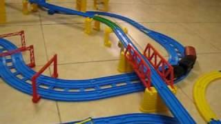 Thomas Tomica World Tomy Steam Train runs slowly on the track