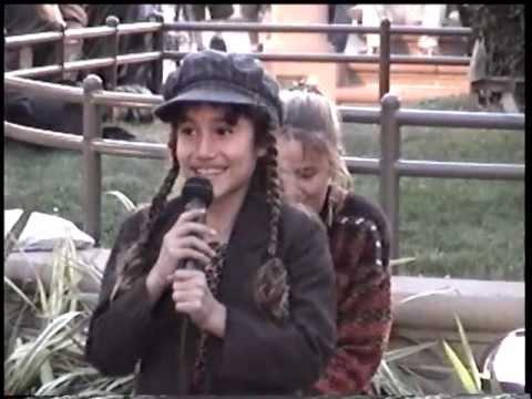 Q'ORIANKA KILCHER  9  JEWEL'S COUSIN ACTRESS  ACTIVIST  SINGER  STREET PERFORMER 41899