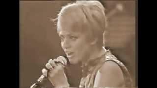 Rita Pavone -  Medley: Cuore e Datemi un martello - live 1968