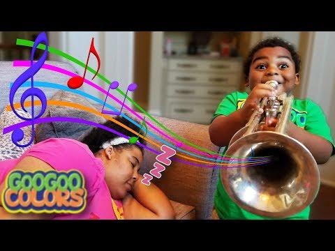 WAKE UP MOM! GOO GOO GAGA PRETEND PLAY WITH MUSICAL INSTRUMENTS