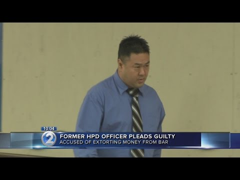 Former Honolulu police officer pleads guilty to extortion