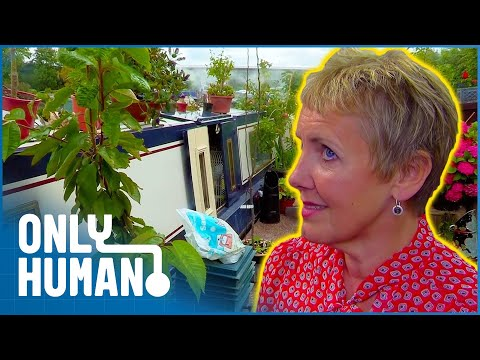 Couple's Hoard Sinking Their Houseboat | Storage Hoarders | Only Human