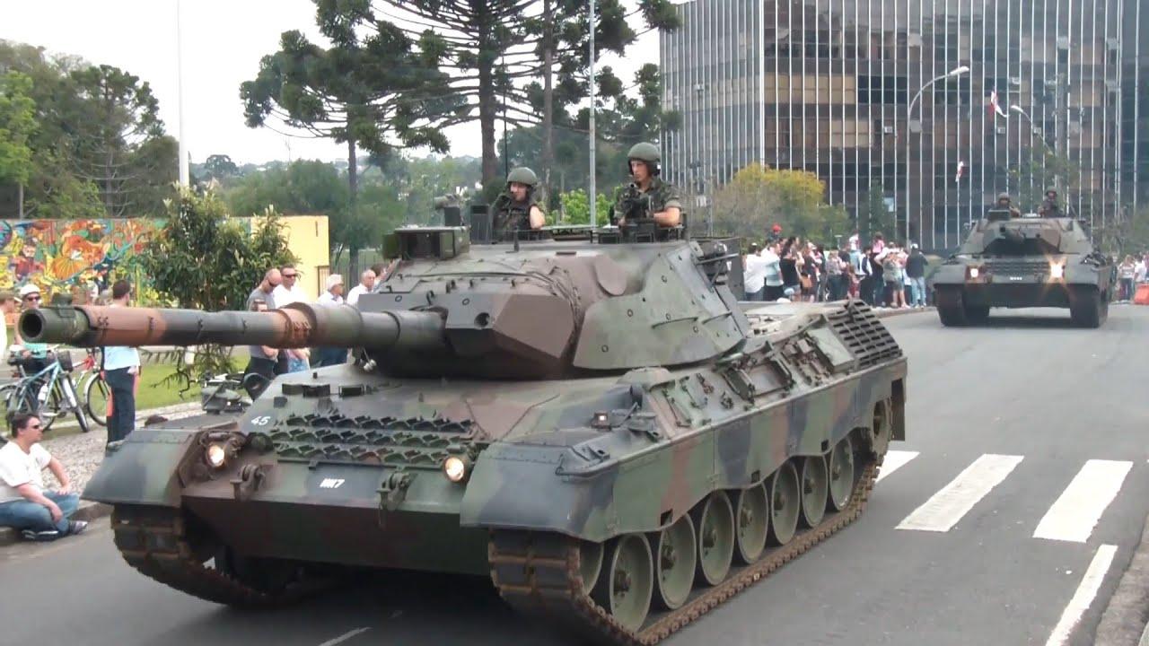 Resultado de imagem para tanques  exército brasileiro desfile