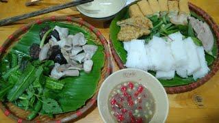 Hai vợ chồng Lovely Saigon đi ăn tối bún đậu mắm tôm || Lovely Saigon