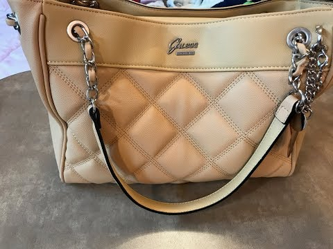 Guess Handbags   Shoes FW 2017 38b51cda373fd