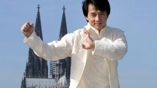 Thành Long mãn nguyện nhận tượng vàng Oscar ở tuổi 62