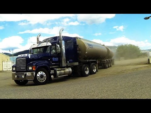MACK Trucks #1 - Gotta love Mack's distinctive sound. Bulldog power movin' freight!