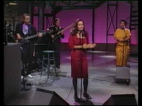 10000 Maniacs (Natalie Merchant) Trouble Me Live on US TV