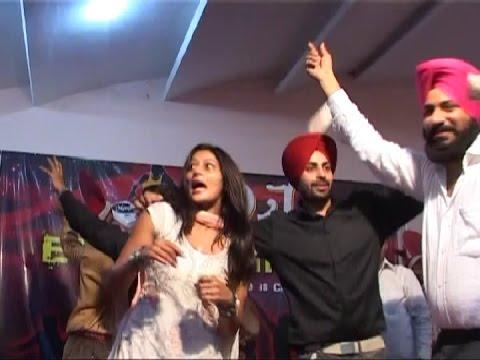 Dancing S At Punjabi Wedding 2017