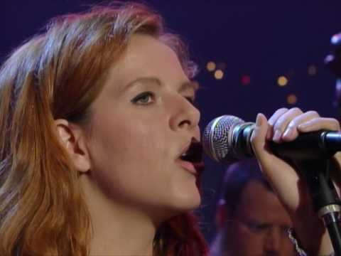 "Neko Case - ""Look For Me (I'll Be Around)"" [Live from Austin, TX]"