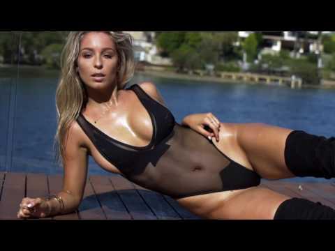 MAXIM Australia Alice Roberts - AUGUST 2017