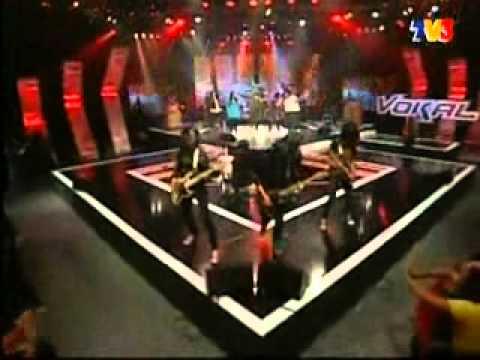 kristal-seragam hitam feat VBSR.wmv