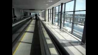 Travelator: ruchomy chodnik / Траволатор: горизонтальный эскалатор