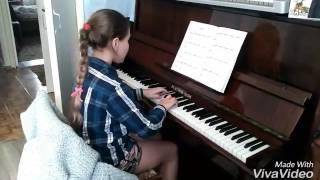 """Игра на пианино """"Ветерок"""""""