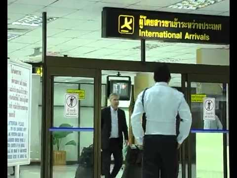 Phuket Airport need more Immigration officers.